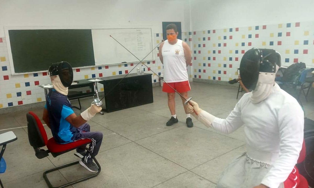 Participantes de curso de esgrima em Maceió começam a implantar a modalidade em estados do Nordeste