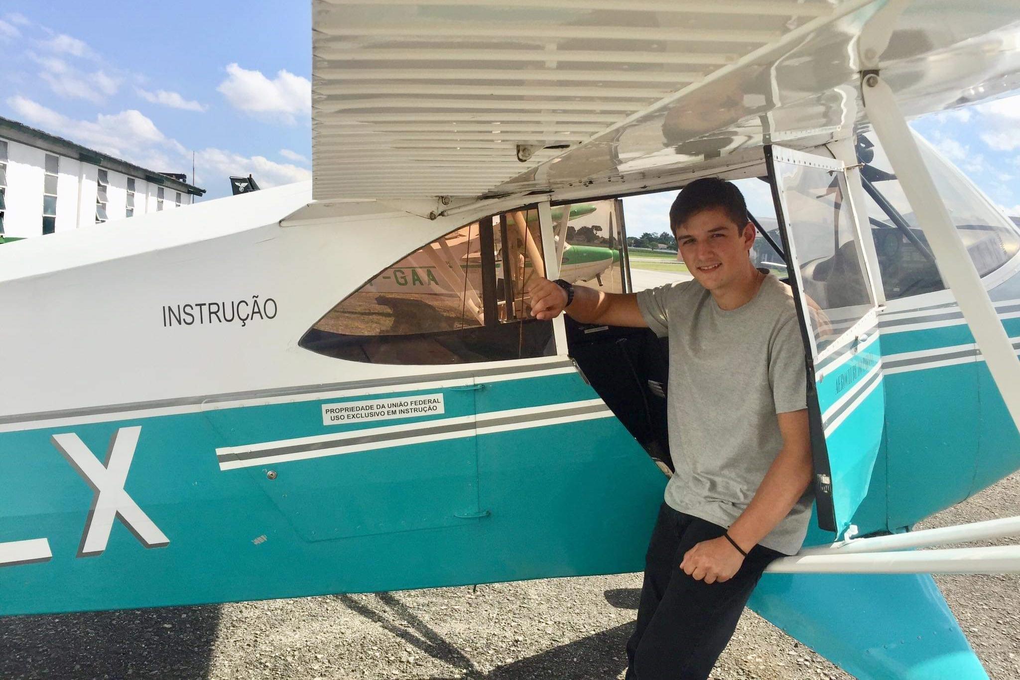 #TôNaPista – Leopoldo Gubert voa na esgrima, na agronomia e também como piloto de aviões