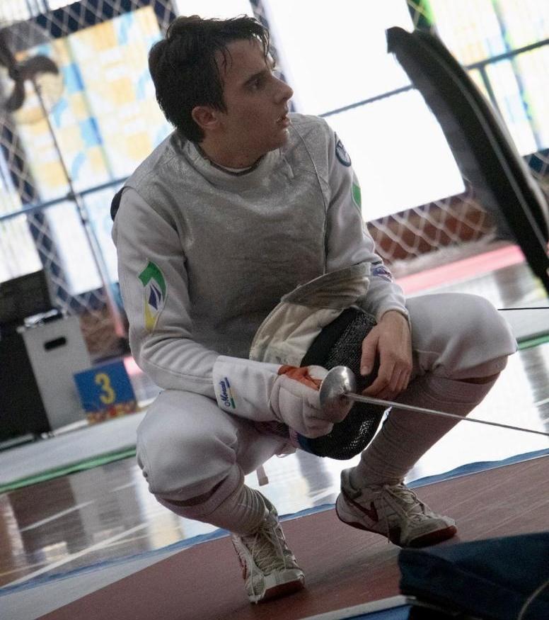 #TôNaPista – Esgrimista Paulo Morais usa o aeromodelismo para aliviar o stress