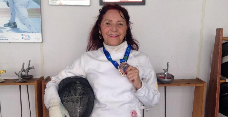 #TôNaPista – A engenheira química que encontrou na esgrima uma forma de mudar sua rotina