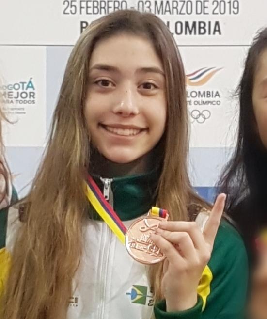 #TôNaPista – Talento da nova geração, Pietra Chierighini sonha ser médica e campeã na esgrima
