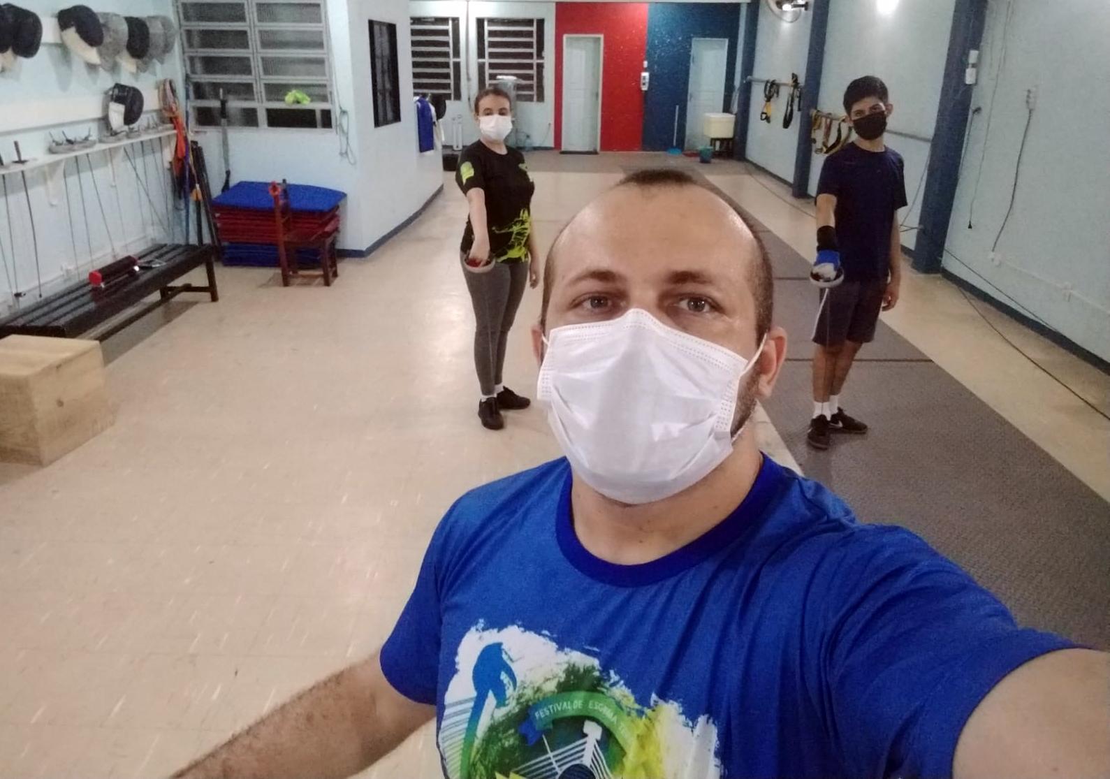 Com novo comando, Escola Grão-Pará de Esgrima busca retomar ritmo de alunos e superar preconceito com o esporte na Região Norte