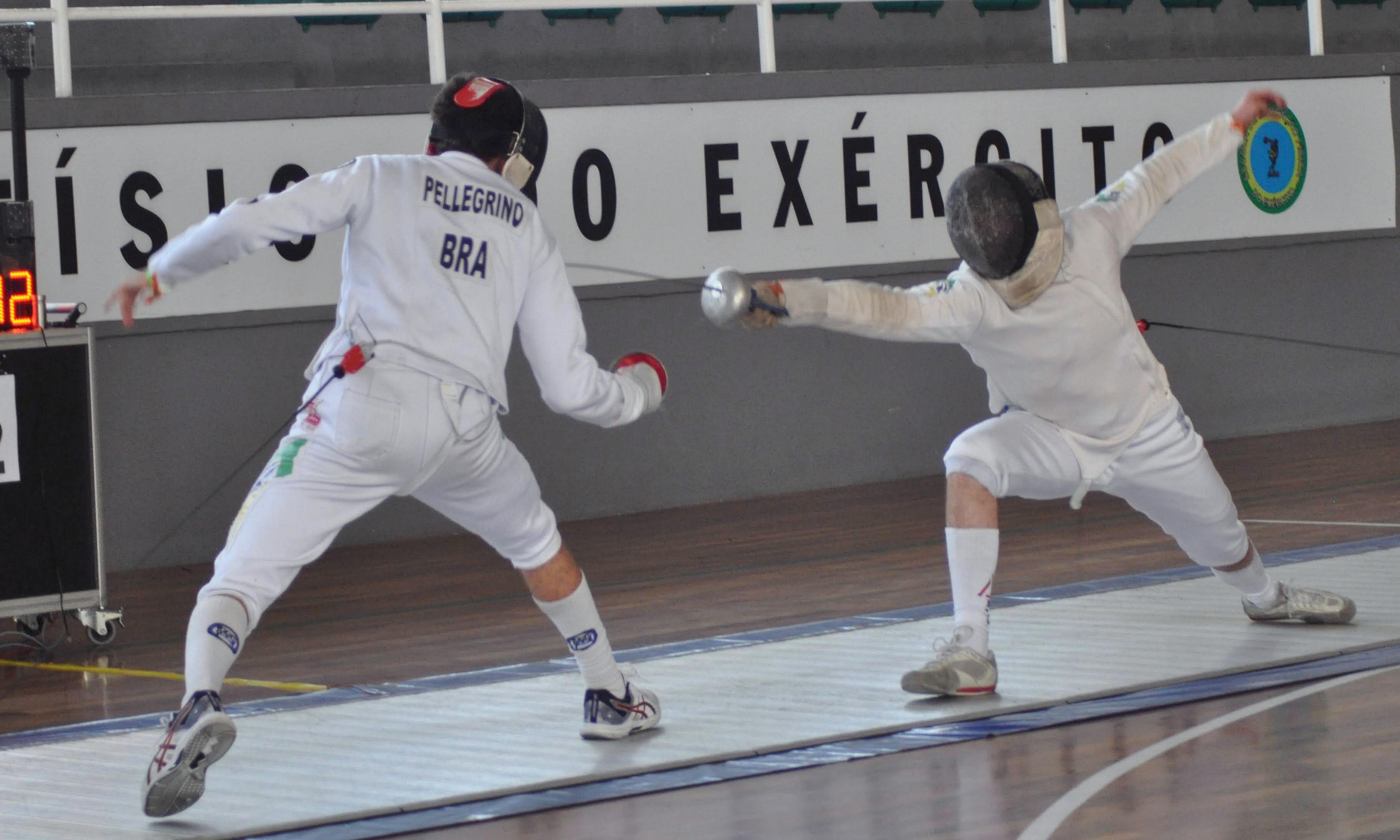 Invicto, Mauricio Pellegrino leva o ouro na espada sub-20 masculina da 1ª Etapa do Circuito Brasileiro Interclubes