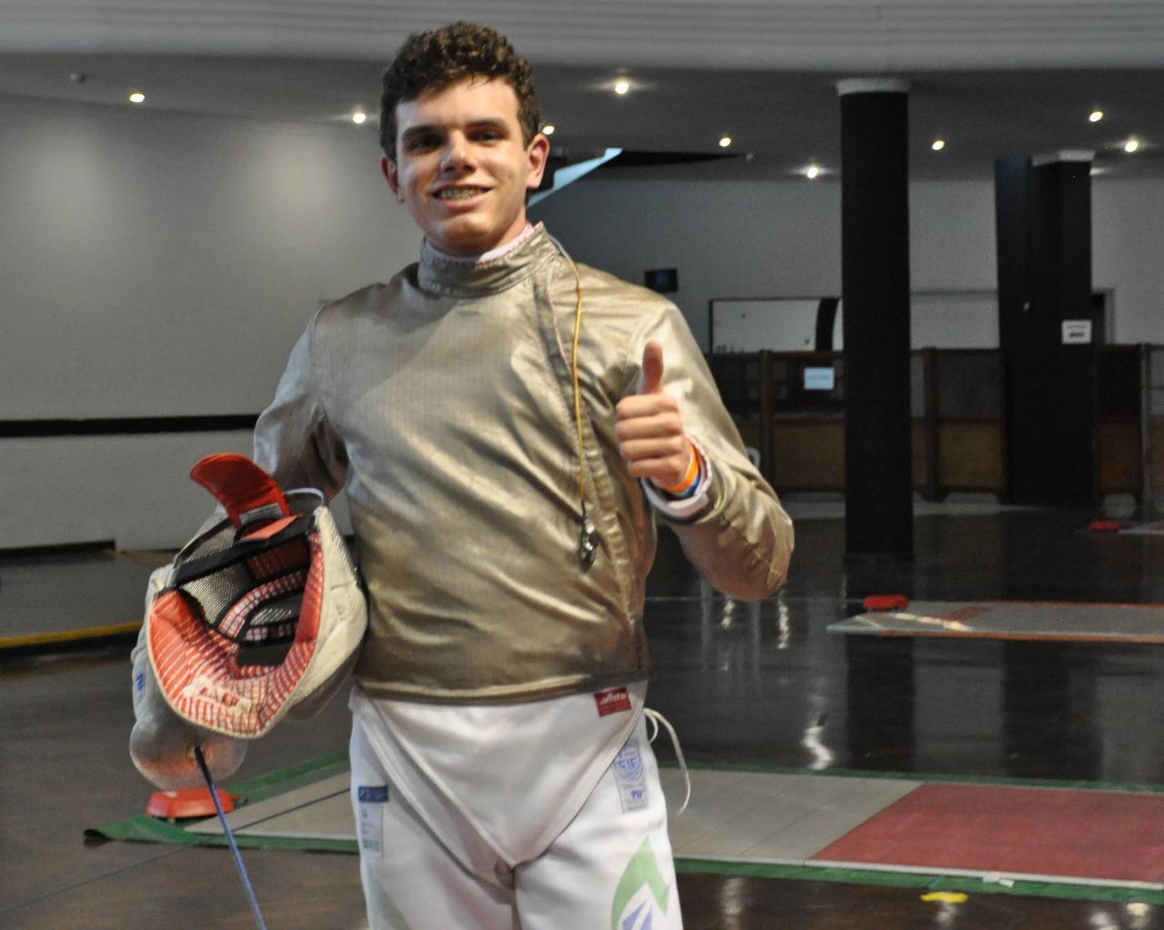 Matheus Becker vence no cadete masculino e confirma boa fase no Circuito Brasileiro