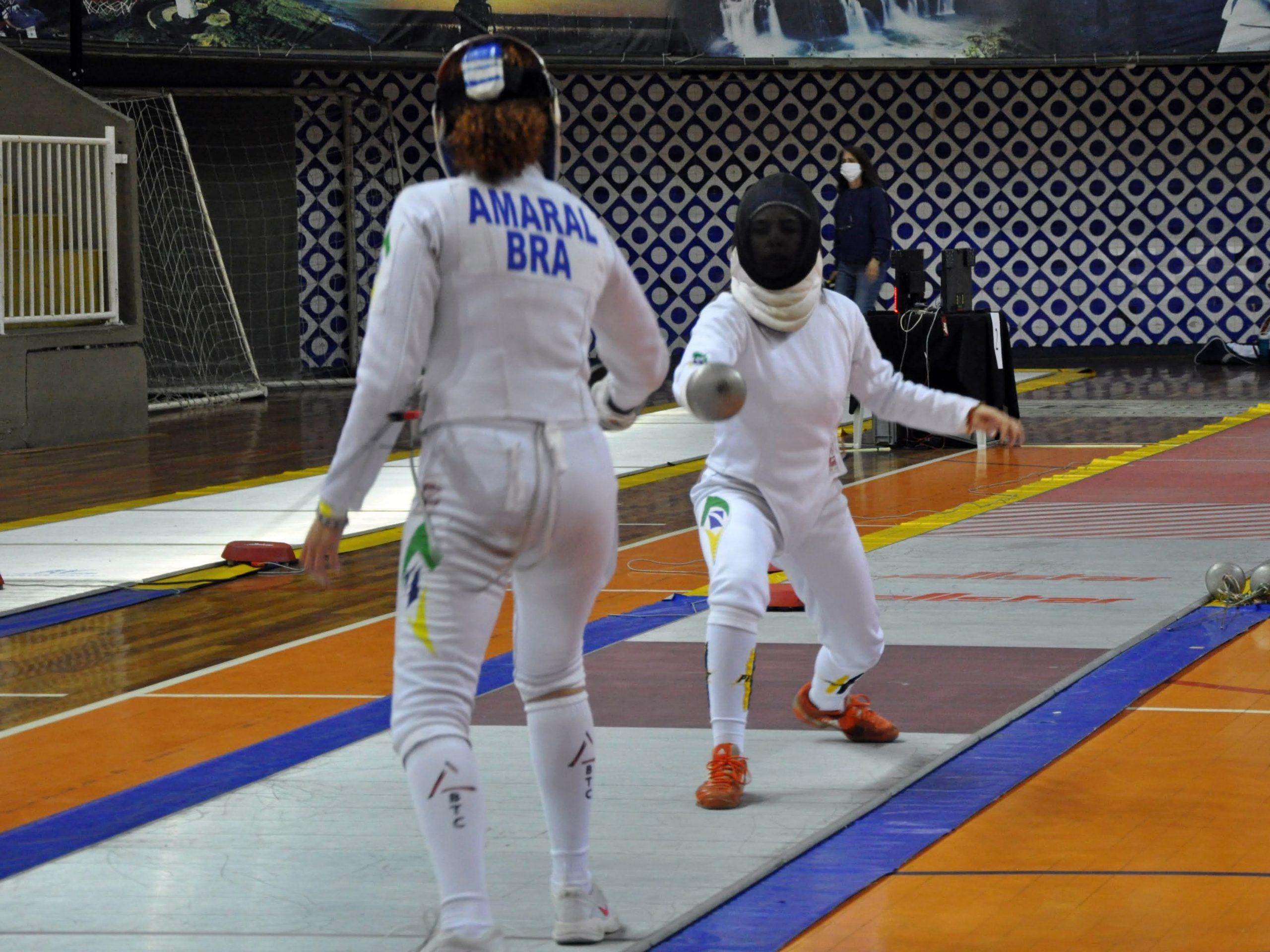 Segundo dia de Campeonato Brasileiro Cadete e Juvenil consagra seis esgrimistas com a medalha de ouro em Curitiba
