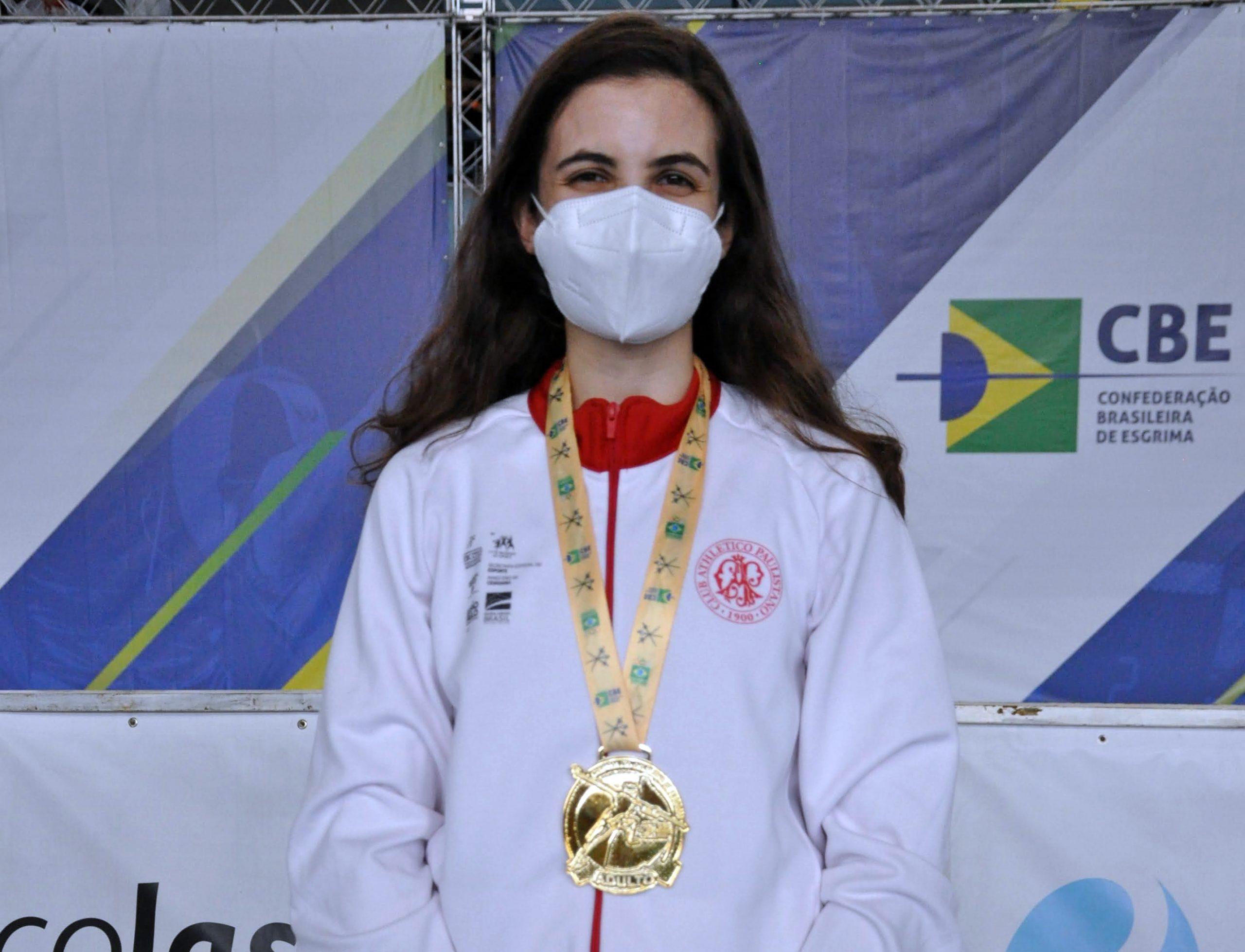 Título gaúcho no florete e ouro para Karina Trois no sabre são os destaques da manhã de sábado no Brasileiro Adulto